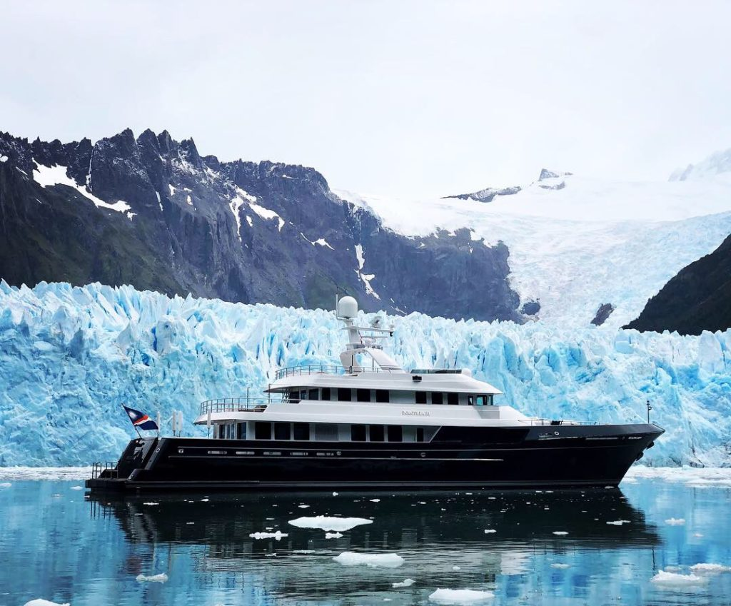 MY Dorothea III voyaging in the Antarctic